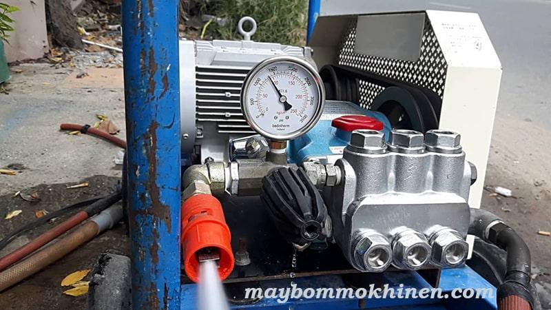 máy rửa xe nhật bãi tại hà nội
