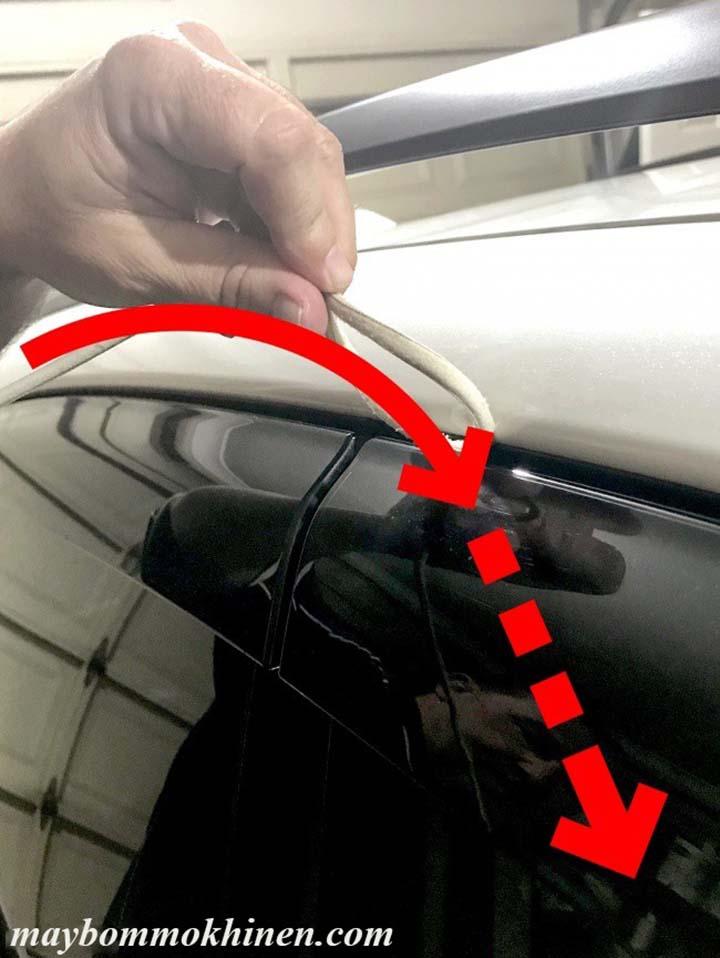 cách mở cửa ô tô khi để quên chìa khóa